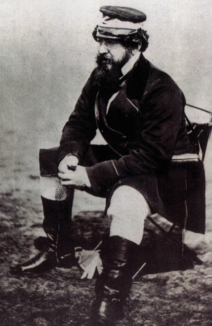 william-howard-russell-photographed-in-the-crimea1
