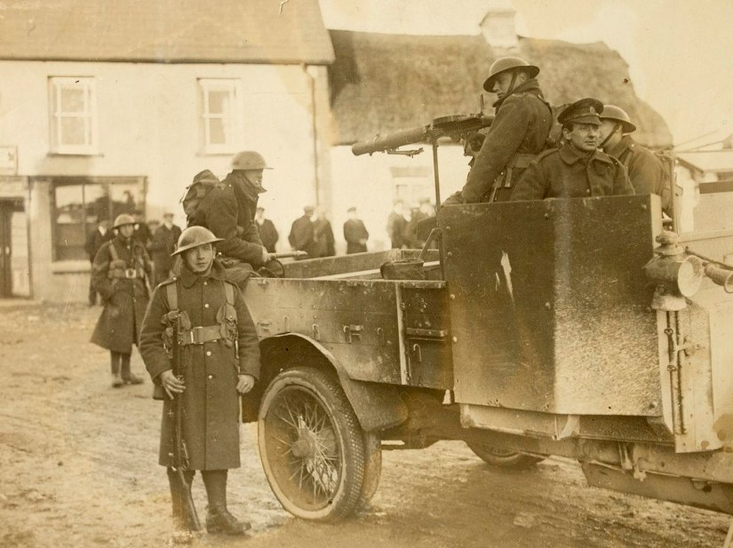 British soldiers in Ireland